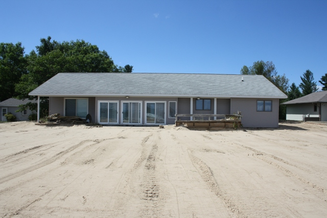 3852 N US-23, Oscoda: Sugar Sand Beach