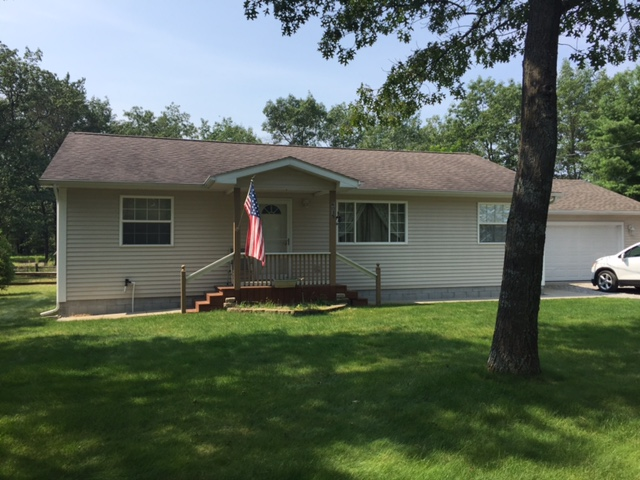Well Maintained Home On Quiet Road