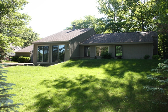6967 Lakewood Drive – Stunning Home On Cedar Lake