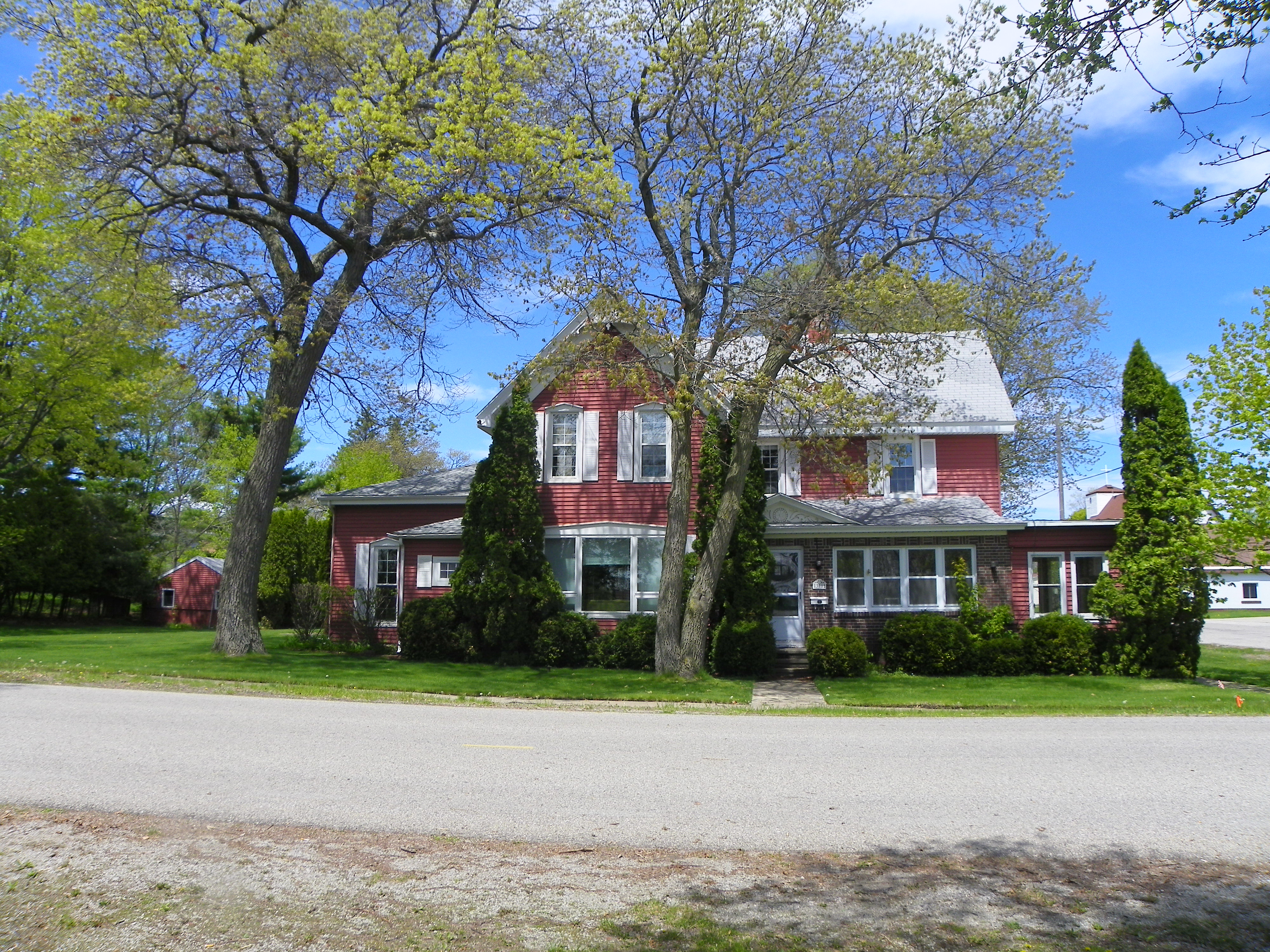 Iconic and historical home in the Piety Hill location of downtown Oscoda