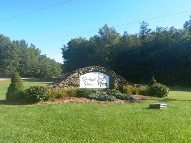 93 feet of AuSable River Frontage in Riverbend Pointe Subdivision