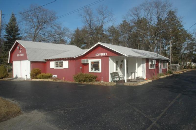 The Red Barn – Gift Store for Sale – Oscoda